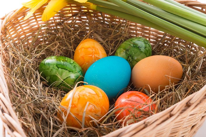 Lieldienu olas grozā