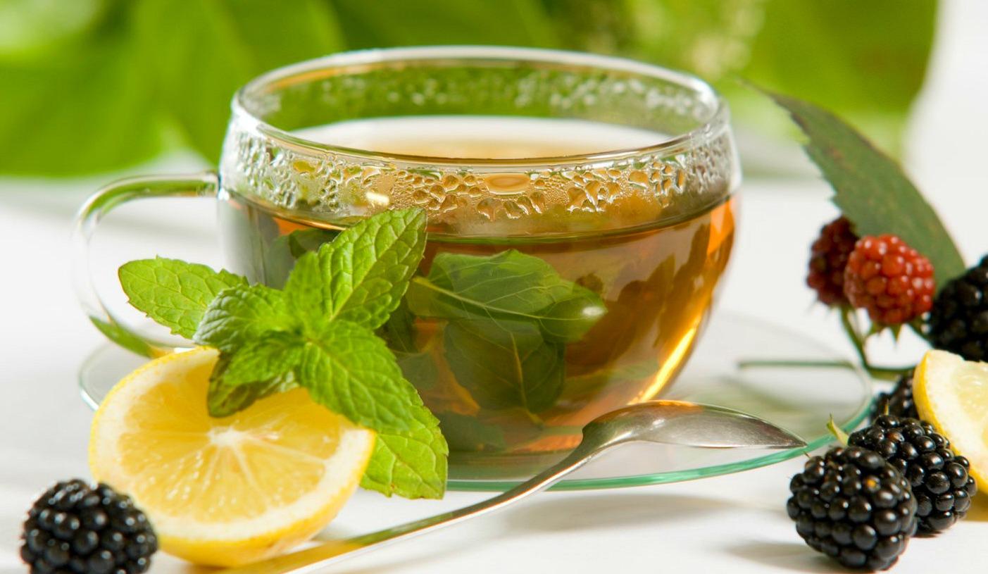 zaļā tēja augļu